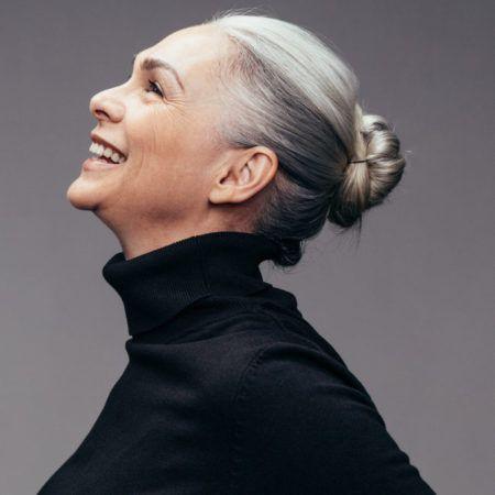 女性におすすめ白髪染めシャンプー&トリートメント10選!市販の白髪染めシャンプーって安全?