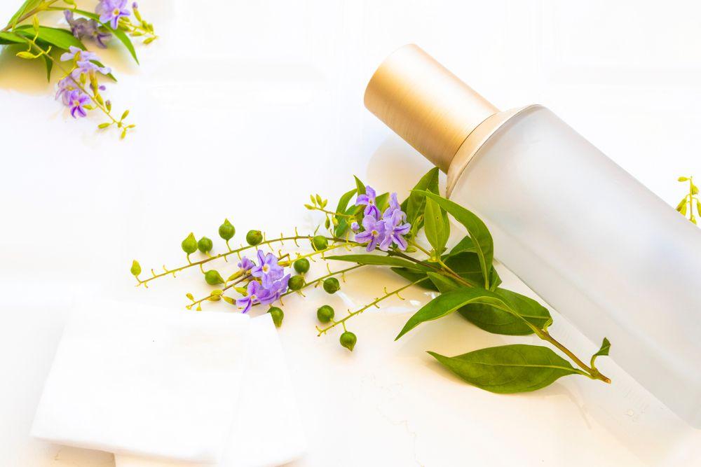 脂性肌向け化粧水おすすめ13選!オイリー肌におすすめの化粧水の選び方や気をつけたいスキンケアのポイントについてご紹介!