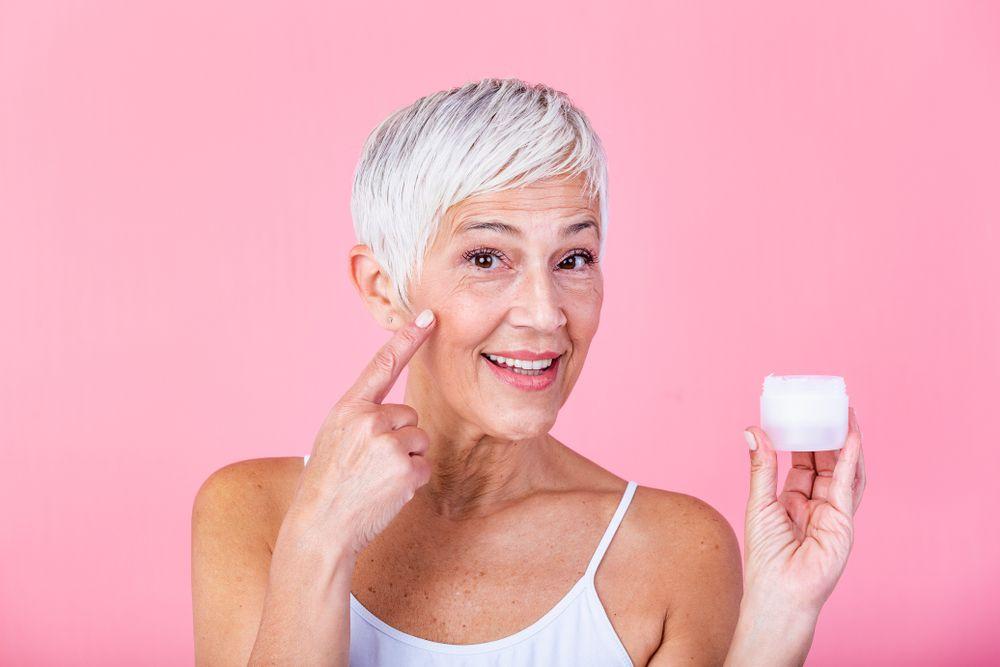 シワ改善クリームのおすすめ13選 シワの原因や効果的なマッサージについてをご紹介!