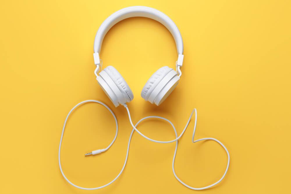 耳が痛くならないヘッドホンならこれ!心地よい付け心地で音楽を楽しめる最強おすすめヘッドホン20選
