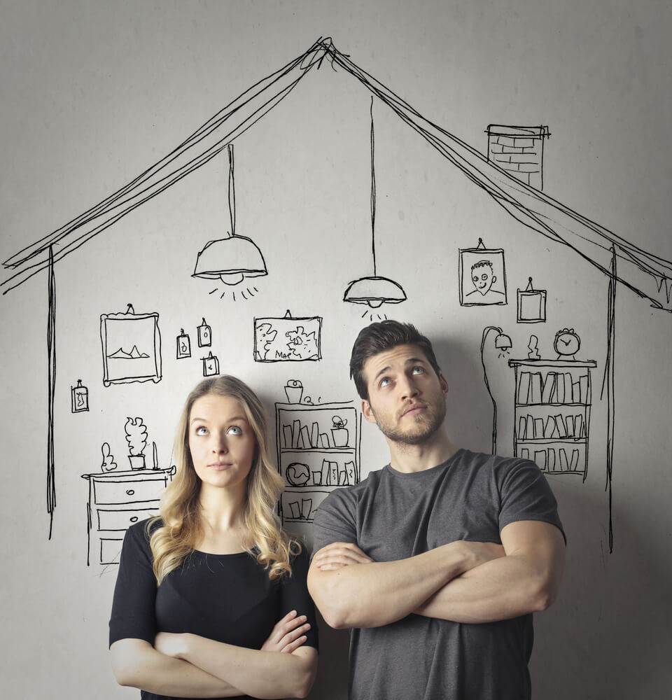 家具を選ぶ時のポイントをご紹介! 家具選びに迷う夫婦の図