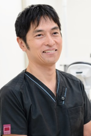 AKINIWA DENTAL CLINIC(秋庭歯科 矯正歯科クリニック)の院長の画像