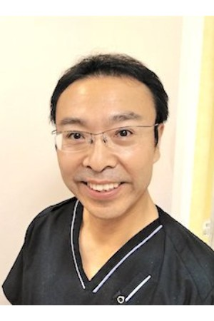 アベニューデンタルクリニックの院長の画像