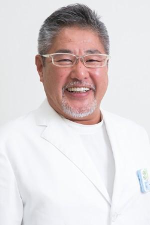 南守谷ファミリー歯科の院長の画像