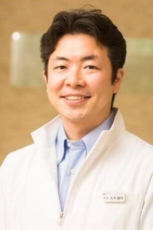 肌と歯のクリニックの院長の画像