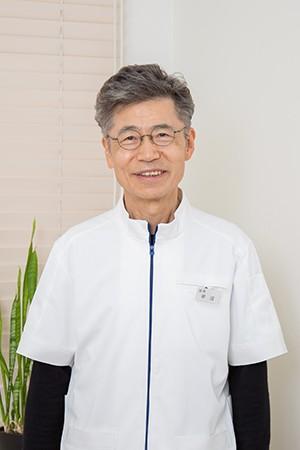 平沼歯科医院の院長の画像