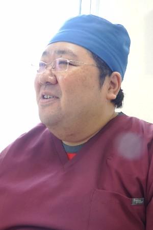 ひろし歯科の院長の画像