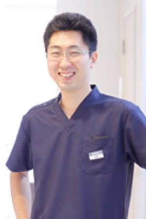 岩野歯科クリニックの院長の画像