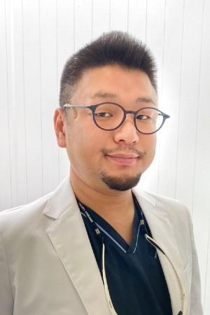 丸山デンタルクリニックの院長の画像