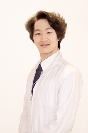 MIZUHODAI EKINAKA DENTAL(みずほ台駅ナカ歯科・矯正歯科)の院長の画像
