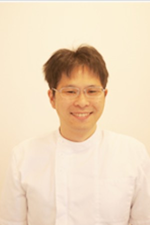 Okino Dental Clinic(おきの歯科クリニック)の院長の画像