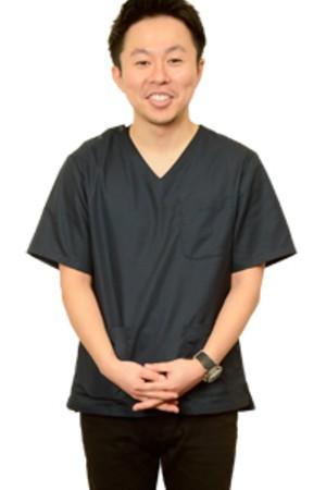 大久保歯科の院長の画像