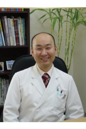 大桑歯科の院長の画像