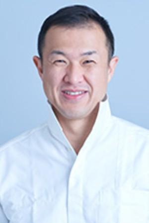 Omi Dental Clinic(おみ歯科クリニック)の院長の画像
