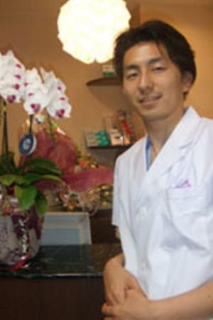MORIYA EKIMAE DENTAL(守谷駅前りんご歯科)の院長の画像