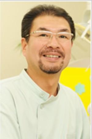 さかがみ歯科の院長の画像