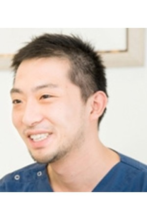 塚越歯科医院の院長の画像