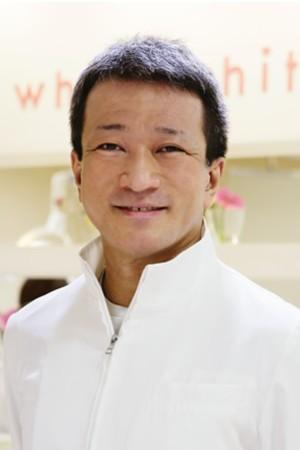 white white(ホワイトホワイト)ルミネ新宿店の院長の画像