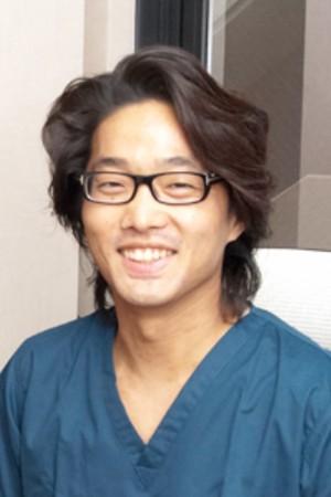京都駅前デンタルクリニックの院長の画像