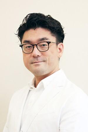 MATSUDA INTERNAL MECINE&DENTAL CLINIC(まつだ内科・歯科クリニック)の院長の画像