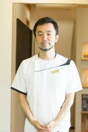 WHITE ESSENCE(ホワイトエッセンス)|たかもり歯科医院京都西院の院長の画像
