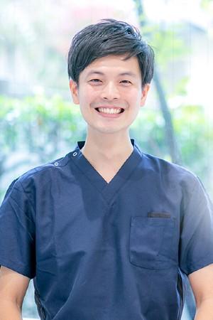 菅田歯科医院の院長の画像