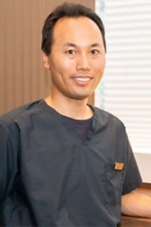 TAKATSUKI WITH DENTAL CLINICの院長の画像