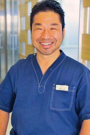 山林歯科医院の院長の画像